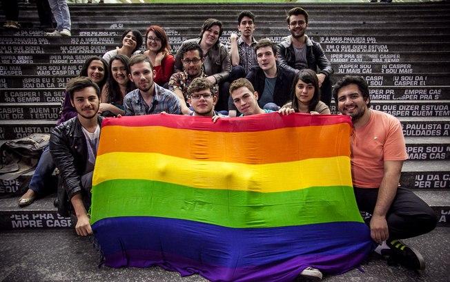jovens das faculdade PUC, USP, Cásper Líbero, ESPM e Mackenzie