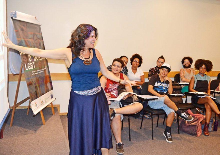O projeto Micro Rainbow Brasil oferece cursos de qualificação exclusivo para pessoas LGBT de baixa renda
