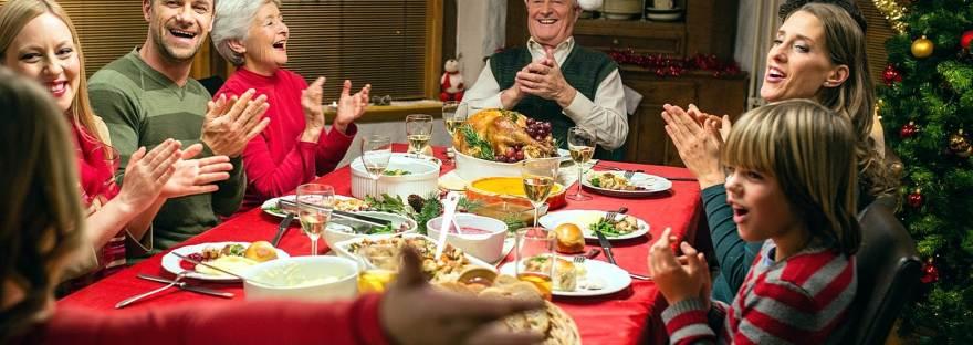 """Evitando conflitos em épocas festivas: como lidar com aquele parente """"insuportável""""?"""