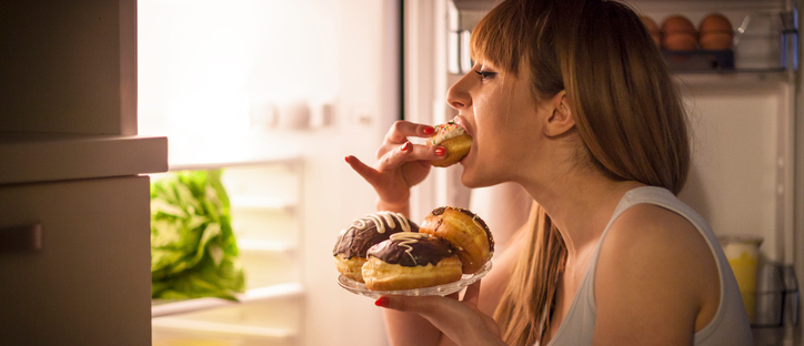 Fome emocional: quando buscamos na comida o alívio de nossas emoções negativas