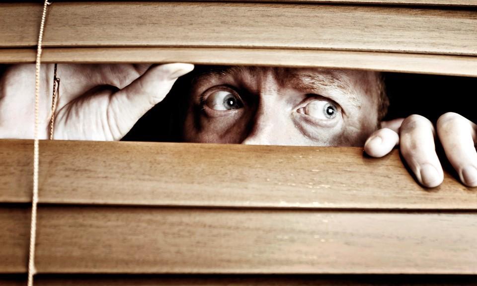 Transtorno de personalidade paranoide: quando você desconfia exageradamente