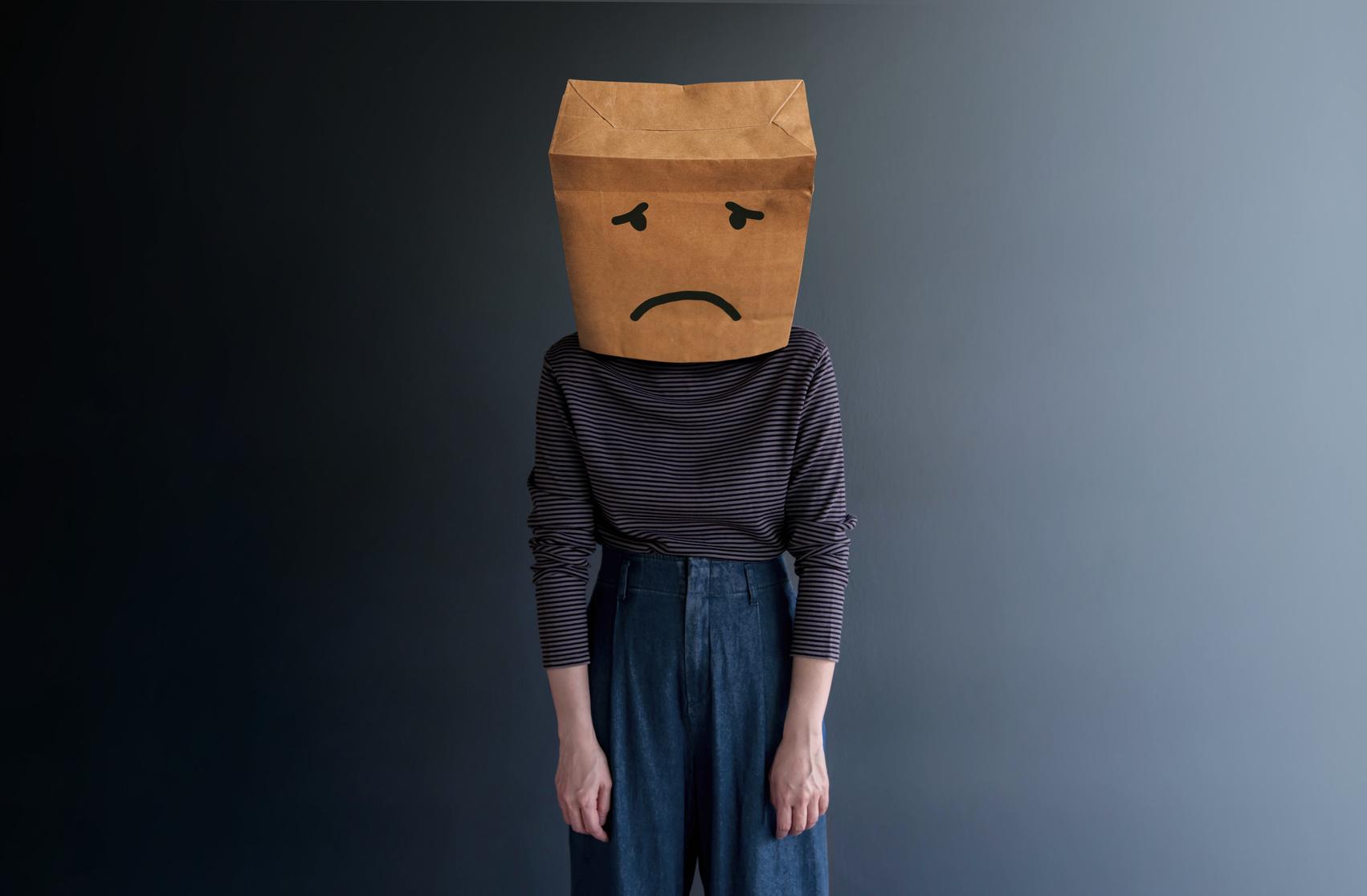 """""""Ninguém gosta de mim mesmo""""; O que são pensamentos disfuncionais?"""